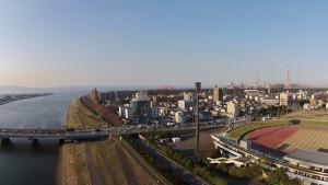 大分市営陸上競技場が見えます。夕日があたる街がキレイです。